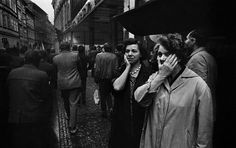 Residents of Prague witnessing the invasion.Credit Josef Koudelka 50 Years After Prague Spring, Lessons on Freedom (and a Broken Spirit) - The New York Times Marie Curie, James Dean, Steve Jobs, Prague Spring, Broken Spirit, Einstein, Photographer Portfolio, French Photographers, First Photograph