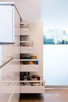 Finde moderne Küche Designs: Vorratsschrank mit Innenauszügen. Entdecke die schönsten Bilder zur Inspiration für die Gestaltung deines Traumhauses.