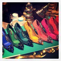 #shoes #heels #colours #fashion #shopping #display #dolcegabbana #dolceandgabbana #scarpe #tacchi #moda #vetrina #colori #colori #shotonmylumia #shotonlumia #lumiaphotography #instagrammers #instamood #instacool #likeme #followme