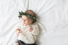 BLOG — Elza Photographie Little Babies, Cute Babies, Baby Kids, Little People, Little Ones, Baby Flower Crown, Style Me Pretty Living, Cute Baby Pictures, Newborn Photos