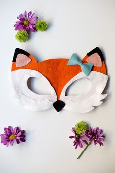 Free Felt Animal Mask Patterns by Anne Weil of Flax & Twine - Fox Mask Animal Masks For Kids, Felt Kids, Fox Crafts, Felt Fox, Needle Felted, Fox Pattern, Felt Patterns, Halloween Disfraces, Stuffed Animal Patterns