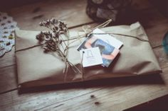 <3 Photography: María Cear Packaging: Lelelerele Paper Packaging, Pretty Packaging, Packaging Ideas, Gift Packaging, Packaging Design, Brown Paper Packages, Snail Mail, Letter Writing, Love Letters