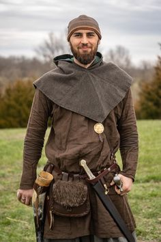 Vikinger Kostüm für Männer Ideen Best Picture For Historical Fashion undergarments For Your Taste You are looking for something, and it is going to tell Viking Cosplay, Viking Garb, Viking Reenactment, Viking Men, Medieval Costume, Medieval Dress, Medieval Fashion, Historical Costume, Historical Clothing
