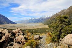 New Zealand – Variety of the South Island, Calendar Sheet October: Tasman Valley