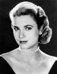 We love the Grace Kelly's classic and elegant style #inspiration