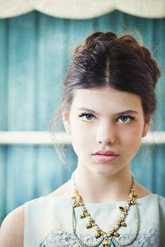 sunny yellow eyeliner