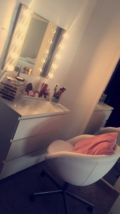 Image about vanity table makeup fancy in Home ideas 🏠 by Genesis Maldonado