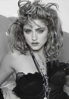 Madonna Looks, Lady Madonna, Madonna 80s, Madonna Fashion, Madonna Music, 80s Trends, Madonna Photos, Norma Jeane, Great Bands