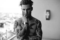 Tatto Thomas Davenport, French Boys, Inked Men, Jason Todd, Dream Guy, Male Face, Body Art Tattoos, Tatoos, Gorgeous Men