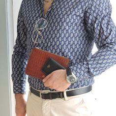 Yes men 👍 . Tobacco clutch&S5 Slimwallet black . #style #menstyle #accessories #leathergoods #serapaktugleathergoods #smallleathergoods #premiumquality #handcrafted #basedinistanbul #deriaksesuar #istanbul