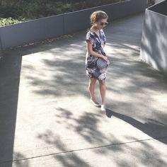 Hochzeitsgast Outfit à la Slow Fashion: Das ist nicht super easy, aber gut machbar. Kleid von Closet London, Espadrilles von Grand Step Shoes. Alles vegan! // Auf dem Modeblog Sloris