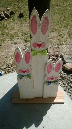 DIY Easter Wood Crafts which are a result of Labour, Love And Patience - Hik. - DIY Easter Wood Crafts which are a result of Labour, Love And Patience – Hike n Dip - Spring Crafts, Holiday Crafts, Crafts To Sell, Diy And Crafts, Paper Crafts, Decor Crafts, Diy Osterschmuck, Easter Projects, Easter Ideas