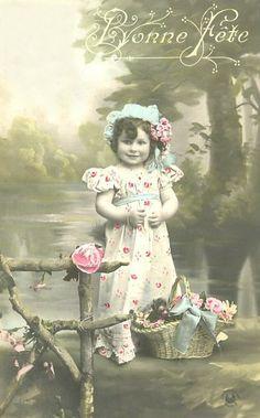 Vintage Rose Designs Photo Postcards, Vintage Postcards, Vintage Pictures, Vintage Images, Vintage Illustration, Scrapbook Sketches, Vintage Crafts, Vintage Roses, Vintage Children