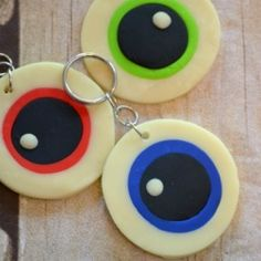 These glow-in-the-dark monster eyeball key chains are a great alternative to candy for trick-or-treaters!