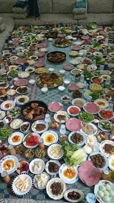 فطور لو معركة بدر Yemeni Food, Kurdish Food, Afghanistan Food, 1200 Calorie Diet Menu, Funny Baby Memes, Funny Texts, Love Poetry Images, Funny Picture Jokes, 1200 Calories