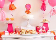 Did someone say hot pink pancakes? We're in! #pinparty