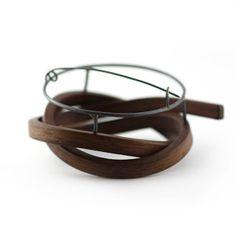 Gustav Reyes - Men's brooch. Simple setting and mechanism.