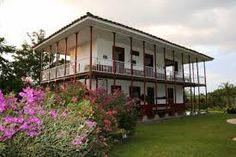 Resultado de imagen para paisajes cafeteros patrimonio de la humanidad Facade House, Houses, Mansions, Country, House Styles, Home Decor, Coffee Percolator, Colombia, Scenery
