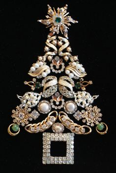 Framed Antique And Vintage Jewelry Christmas Tree