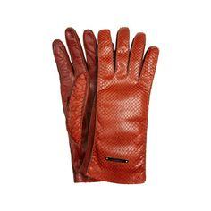 Burberry Prorsum gants cuir http://www.vogue.fr/mode/shopping/diaporama/cadeaux-de-noel-rouge-fatal/10938/image/651526#burberry-prorsum-gants-cuir