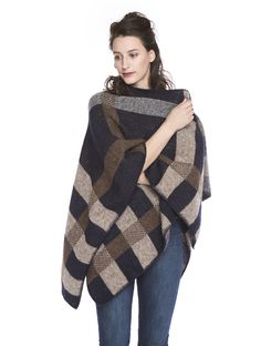 Varma Poncho Botna - Brown/Blue - 100% Icelandic Wool