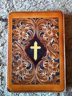 Hand Tooled Leather Bible Cover LARGE by vronLEATHER on Etsy, $85.00 Leather Art, Leather Books, Tooled Leather, Leather Tooling, Leather Bible Cover, Leather Book Covers, Leather Notebook, Leather Journal, Cross Patterns