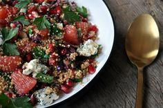 Kinoa Salatası Tarifi Kung Pao Chicken, Cobb Salad, Acai Bowl, Food And Drink, Diet, Breakfast, Health, Ethnic Recipes, Easy