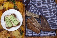 bread with dried fruits (vegan) via Tuulikummun keittiössä