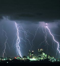 http://www.ladodgertalk.com/wp-content/uploads/2009/06/lightening.jpg#lightening