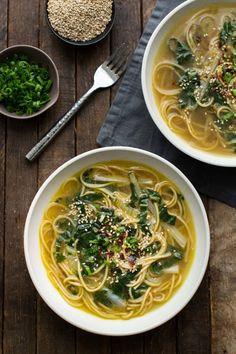 This week's recipe is a warming ginger bok choy soup from Naturally Ella that feels like you are eating an authentic veggie ramen … Bok Choy Recipes, Soup Recipes, Vegetarian Recipes, Cooking Recipes, Healthy Recipes, Vegetarian Dinners, Lunch Recipes, Asian Recipes, Ethnic Recipes