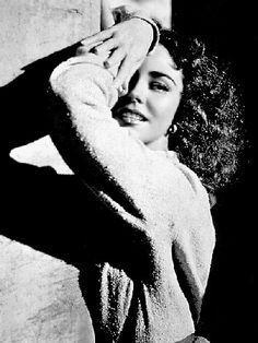 Jennifer Jones Her smile was so captivating and still to this day I'm not sure why. She just captivated you with her acting and she's so feminine it's lovely to see. (Ruby Gentry, Madame Bovary and Song of Bernadette.)