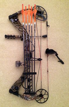 Matthews Bow Looks like mine! Hunting Arrows, Deer Hunting, Hunting Stuff, Archery Hunting, Matthews Bows, Archery Tips, Bow Hunter, Hunting Equipment, Archery Equipment