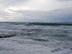 Hvor mange av dere har meditert til bølgene fra middelhavet? Leste nettopp en artikkel hvor forskere mener at du kan oppnå betydelige helsefordeler