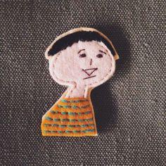 「うれしいです」そう言ってもらえて私もうれしいです。カバンやTシャツなど、好きなところにペタッ!アイロンでくっ付きます。素材:フェルトサイズ:約5cm&tim...|ハンドメイド、手作り、手仕事品の通販・販売・購入ならCreema。 Creema, Handmade, Color, Hand Made, Colour, Handarbeit, Colors