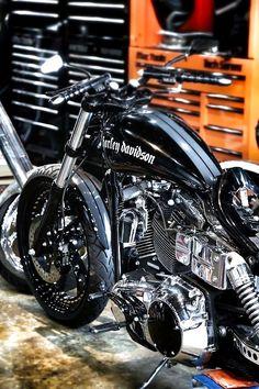 Harley Davidson.  via HotRodBizarre
