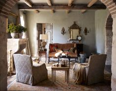 tuscan decorating ideas | simple designs colorful pottery and copper pots finish the look
