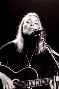 Joni Mitchell: Fear of a Female Genius - The Ringerclockmenumore-arrownoyes : One of the greatest living artists in popular music still isn't properly recognized. Joni transcends gender, genre, and time. Joni Mitchell Songs, Free Man In Paris, Legendary Singers, Idole, The Monkees, Folk Music, Music Icon, My Favorite Image, Popular Music