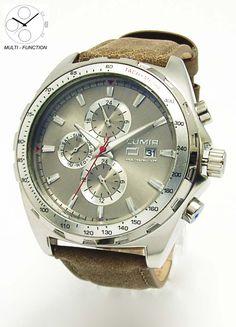 Kožený remienok a poriadny multifunkčný ciferník, to je model 111315BH, ktorý nenechá chladného nejedného pána. #lumir #lumirwatch #watch #watches #hodinky #hodinkylumir #lumirhodinky #men #fashion
