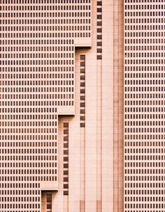 """""""The tallest building in Fort Worth, Texas, is this simple brutalist … - Architecture Design Ideas Architecture Design, Conceptual Architecture, Minimalist Architecture, Contemporary Architecture, Architecture Geometric, Arquitectura Wallpaper, Landscape Arquitecture, Urban Landscape, Skyscraper"""