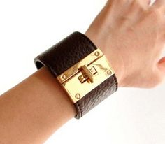 Wide Face Metal Clasp Leather Cuff Bracelet - High quality CHOCOLATE BROWN leather cuff bracelet.bold.gold.bangle
