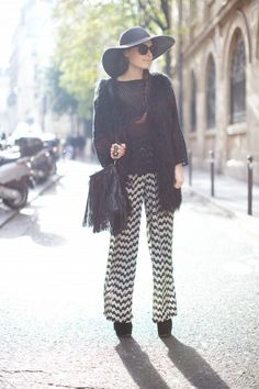 Stylish shoes with Palazzo pants. We have already covered  28 ways to style your palazzo pants. Palazzo pants are my personal favorite style of trousers as they are super comfy, come in an array of colors, patterns and styles, give a gorgeous flowing silhouette and perfectly adaptable to any body s...