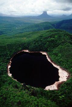 Paraka Wachoi: El Lago de La Cordillera de El Dorado en Amazonas, Venezuela.