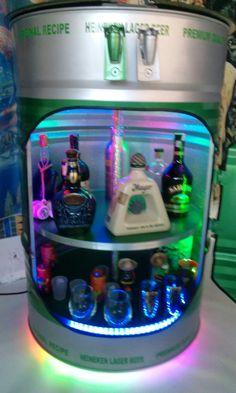 Hermoso mini bar fabricado en tambor de aceite reciclado.
