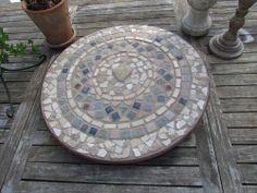 DIY Mosaic Table | mosaic-table