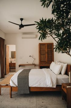 Bali Unterkünfte: Das waren unsere privaten Villen und Apartments in Canggu, Ubud und Uluwatu Source by fashiioncarpet Luxury Homes Interior, Home Interior Design, Interior Architecture, Interior Livingroom, Interior Plants, Interior Modern, Home Bedroom, Bedroom Decor, Bali Bedroom
