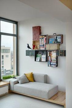 Hier fasziniert mich das Sofa, das offensichtlich zum Bett umfunktioniert werden kann. Genau, was ich will!
