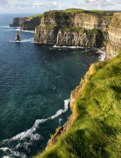 Plenty of things to do visiting to the scenic Cliffs of Moher, looking out from O'Brien's Tower and photography to shopping for souveneirs, bird watching and guided tours