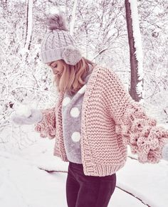 FaB News/Woman's cardigans for beautiful, elegant and ladies with style/Fashion news/ Crochet Lace Edging, Crochet Cardigan Pattern, Knit Crochet, Knit Cardigan, Cardigans For Women, Coats For Women, Clothes For Women, Knit Fashion, Fashion News