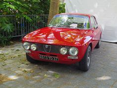 Alfa Romeo GT 1600 Junior 4913 YD 37 - 16 juin 2013 (Grand Prix de Tours, boulevard Heurteloup - Tours)