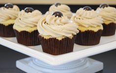 The Kitchen is My Playground: The BEST Vanilla Cupcake